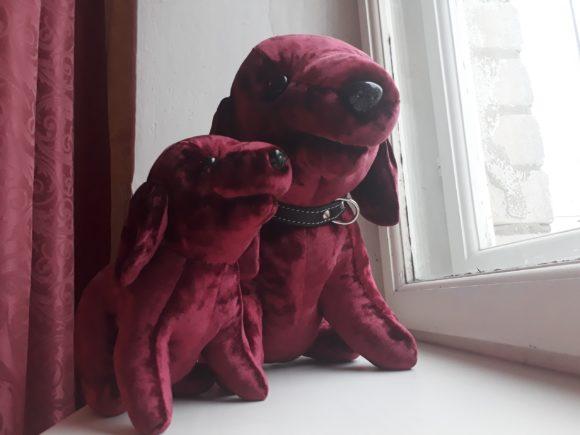 Малиновые собачки - игрушки по фото Игрушки по рисункам Игрушки на заказ по фото, рисункам. Шьем от 1 шт.